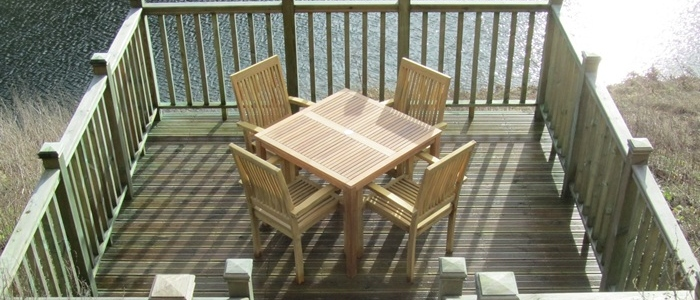 Lakeside Cottage decking